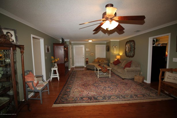 Residential/Single Family - Senatobia, MS (photo 3)