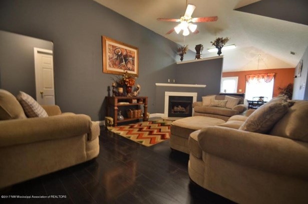 Residential/Single Family - Walls, MS (photo 4)