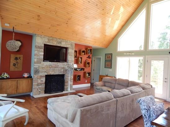Residential/Single Family - Deer Lodge, TN (photo 2)