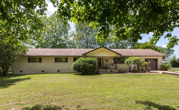 Residential/Single Family - Gentry, AR (photo 1)