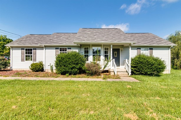 Residential/Single Family - Chapmansboro, TN (photo 1)