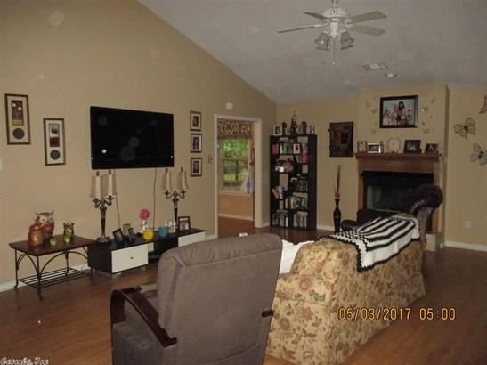 Residential/Single Family - El Paso, AR (photo 5)