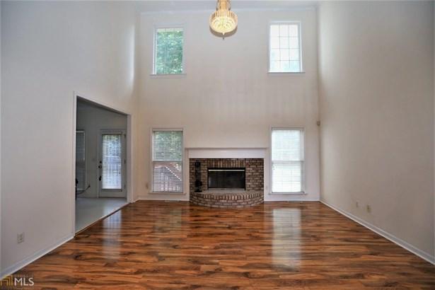 Residential/Single Family - Lilburn, GA (photo 4)
