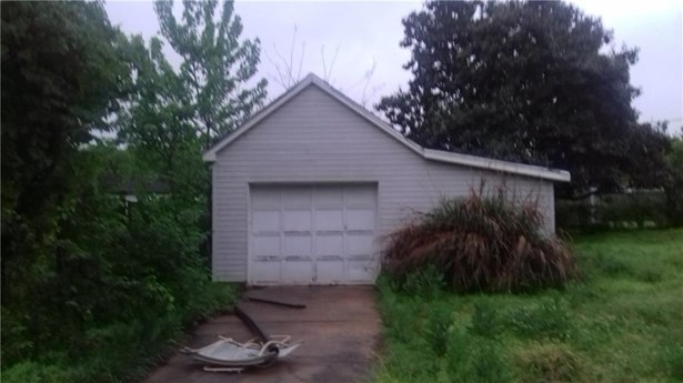 Residential/Single Family - Gravette, AR (photo 3)