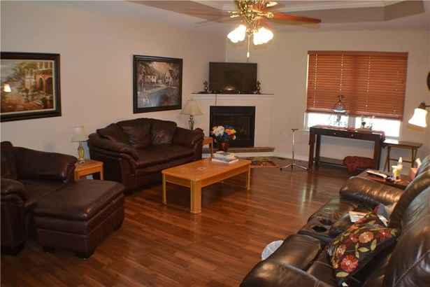 Residential/Single Family - Gravette, AR (photo 4)
