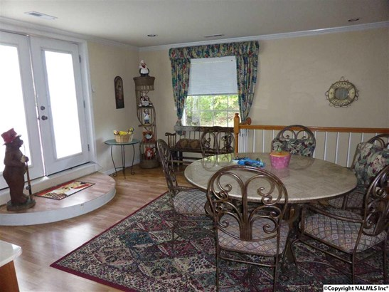 Residential/Single Family - Mount Hope, AL (photo 5)