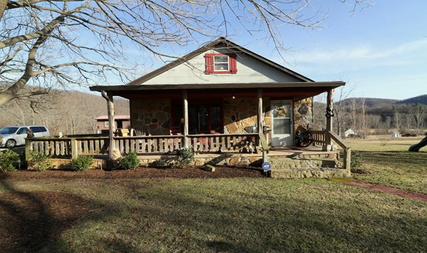 Residential/Single Family - Winfield, TN (photo 1)
