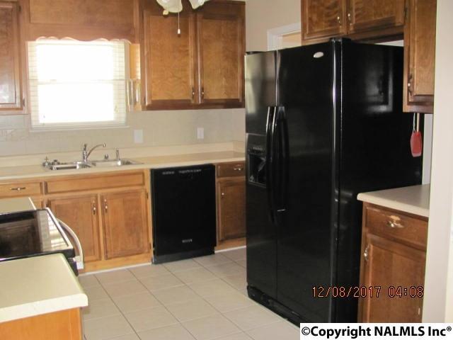 Residential/Single Family - HAZEL GREEN, AL (photo 4)