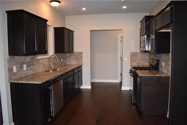 Residential/Single Family - Elkins, AR (photo 5)