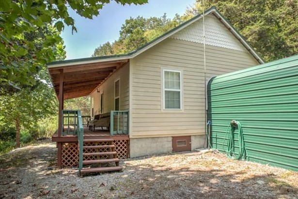 Residential/Single Family - GAINESBORO, TN (photo 2)