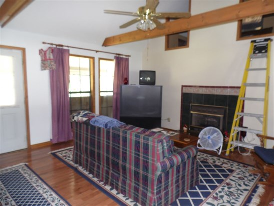 Residential/Single Family - Big Sandy, TN (photo 3)