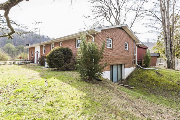 Residential/Single Family - Harriman, TN (photo 2)