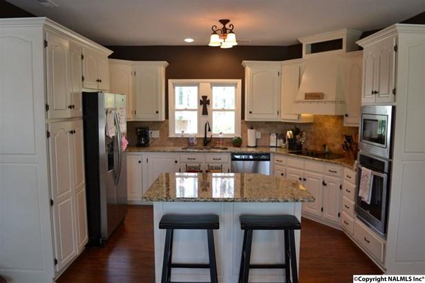 Residential/Single Family - SCOTTSBORO, AL (photo 4)
