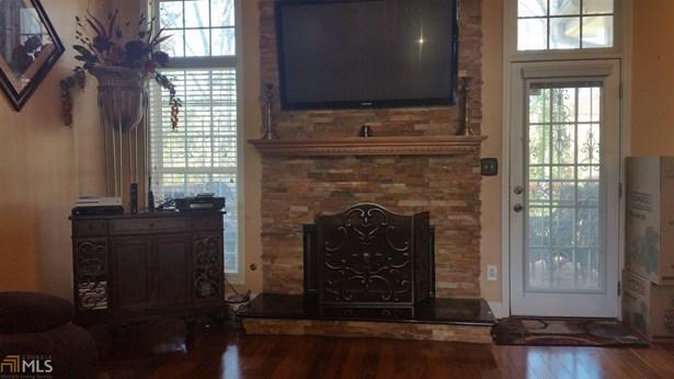 Residential/Single Family - Lithonia, GA (photo 2)