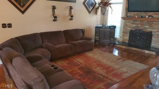 Residential/Single Family - Lithonia, GA (photo 3)