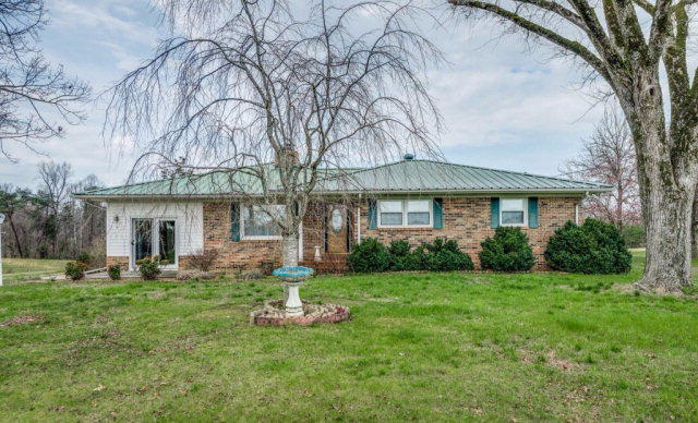 Residential/Single Family - Quebeck, TN (photo 1)