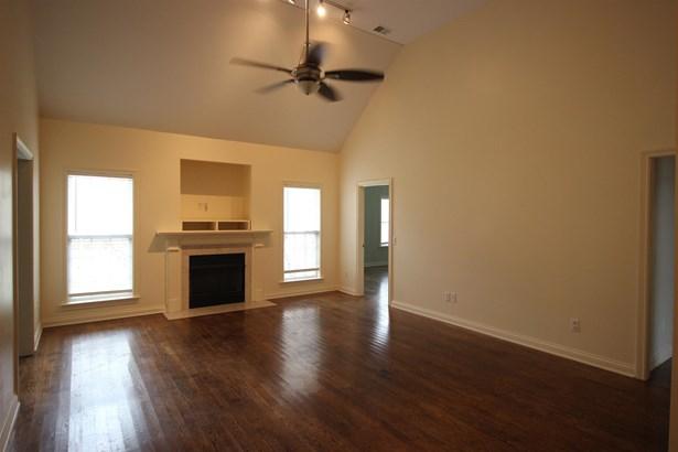 Residential/Single Family - Bon Aqua, TN (photo 3)