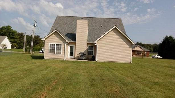 Residential/Single Family - White Bluff, TN (photo 3)