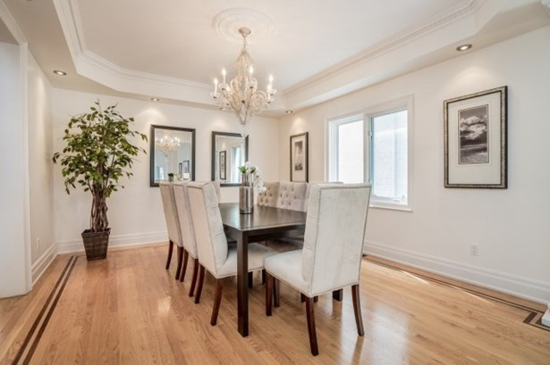 81 King High Dr, Vaughan, ON - CAN (photo 4)