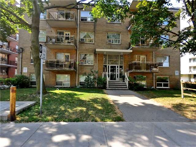 149 Cosburn Ave, Toronto, ON - CAN (photo 1)