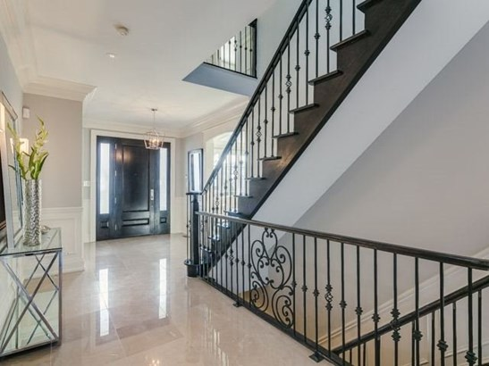 110 Joicey Blvd, Toronto, ON - CAN (photo 2)