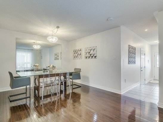 41 Four Seasons Cres, Newmarket, ON - CAN (photo 3)
