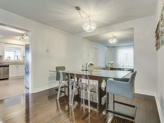 41 Four Seasons Cres, Newmarket, ON - CAN (photo 5)