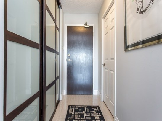 7300 Yonge St 1612, Vaughan, ON - CAN (photo 2)