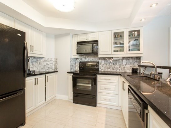 7300 Yonge St 1612, Vaughan, ON - CAN (photo 4)