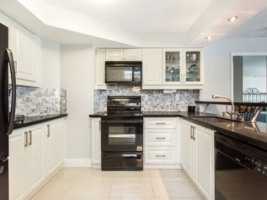 7300 Yonge St 1612, Vaughan, ON - CAN (photo 5)