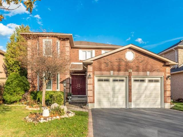 19 Gowan Dr, Whitby, ON - CAN (photo 1)