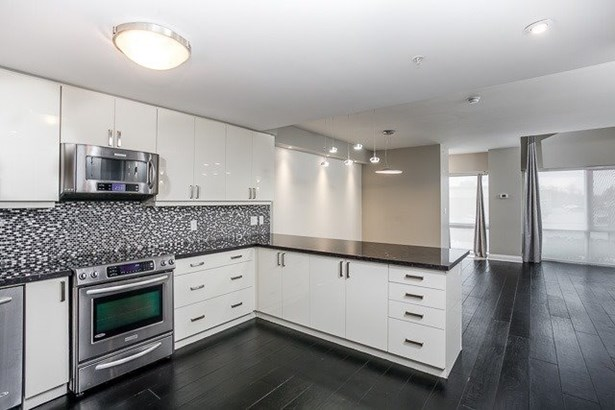 24 Woodstream Blvd 121, Vaughan, ON - CAN (photo 1)