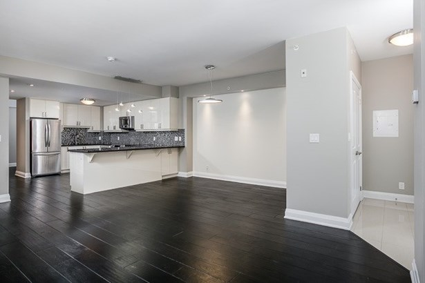 24 Woodstream Blvd 121, Vaughan, ON - CAN (photo 2)