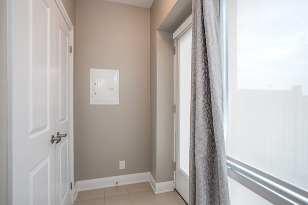 24 Woodstream Blvd 121, Vaughan, ON - CAN (photo 4)