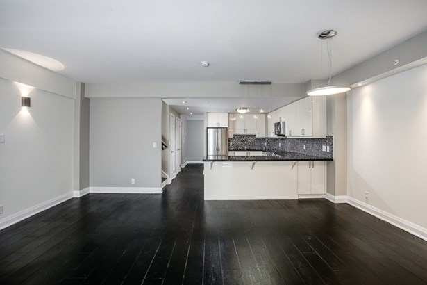 24 Woodstream Blvd 121, Vaughan, ON - CAN (photo 5)