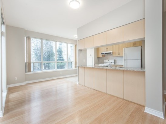 50 Disera Dr 105, Vaughan, ON - CAN (photo 2)