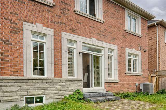 1030 Poppy Lane, Newmarket, ON - CAN (photo 3)