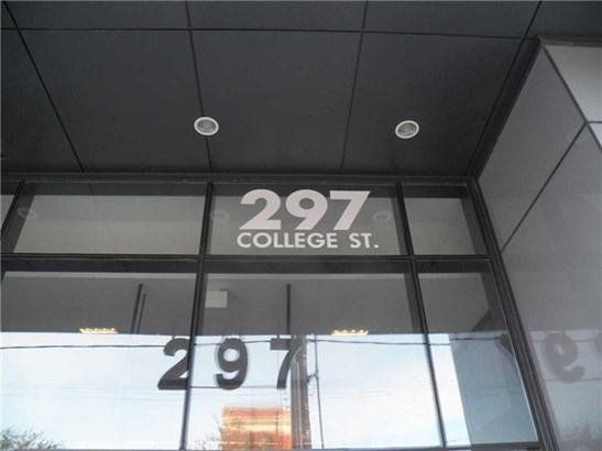 297 College St 711, Toronto, ON - CAN (photo 1)