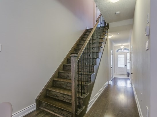 1331 Major Mackenzie Dr 91, Vaughan, ON - CAN (photo 2)