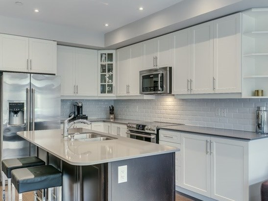 1331 Major Mackenzie Dr 91, Vaughan, ON - CAN (photo 5)