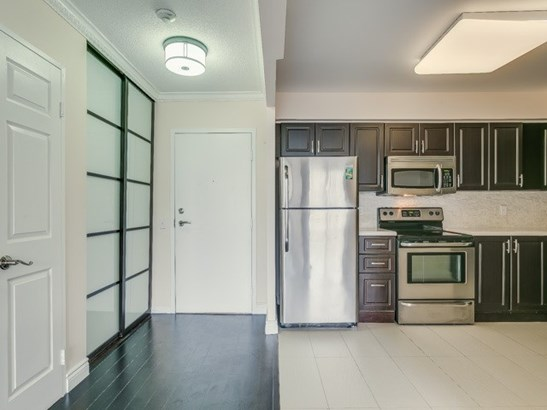 81 Townsgate Dr Ph110, Vaughan, ON - CAN (photo 5)