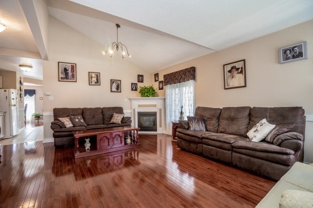 149 Toporowski Ave, Richmond Hill, ON - CAN (photo 3)