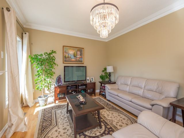 33 Terracotta Cres, Richmond Hill, ON - CAN (photo 5)