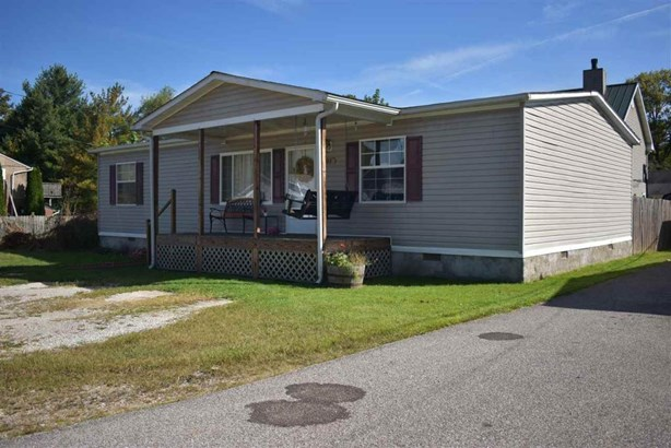 207 Lynn Oak Drive, Lavalette, WV - USA (photo 2)