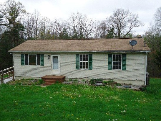 318 Orchard Woods Drive, Crab Orchard, WV - USA (photo 1)