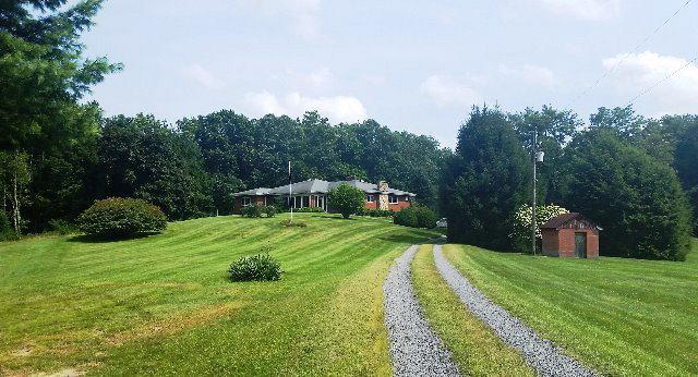 151 Sunshine Lane, White Oak, WV - USA (photo 3)