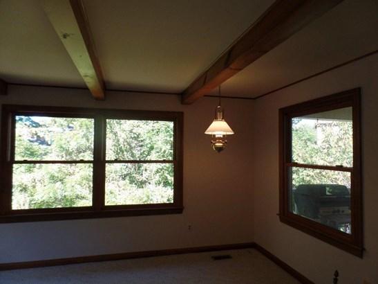 106 Oak Tree Lane, Huntington, WV - USA (photo 5)