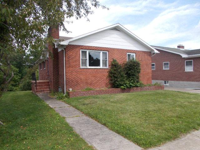 215 Edgewood Drive, Beckley, WV - USA (photo 1)