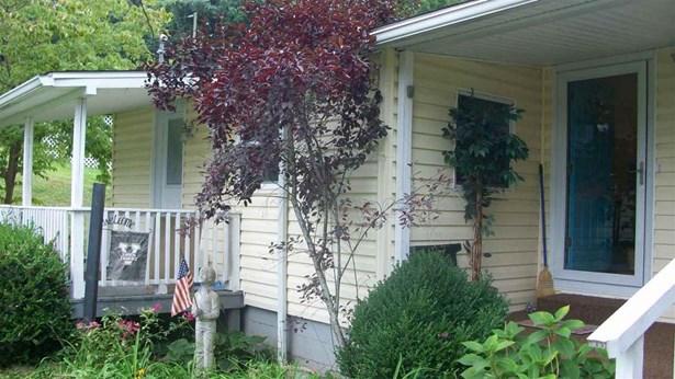 1395 Woodmont Drive, Kenova, WV - USA (photo 2)