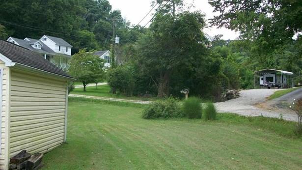 1395 Woodmont Drive, Kenova, WV - USA (photo 4)